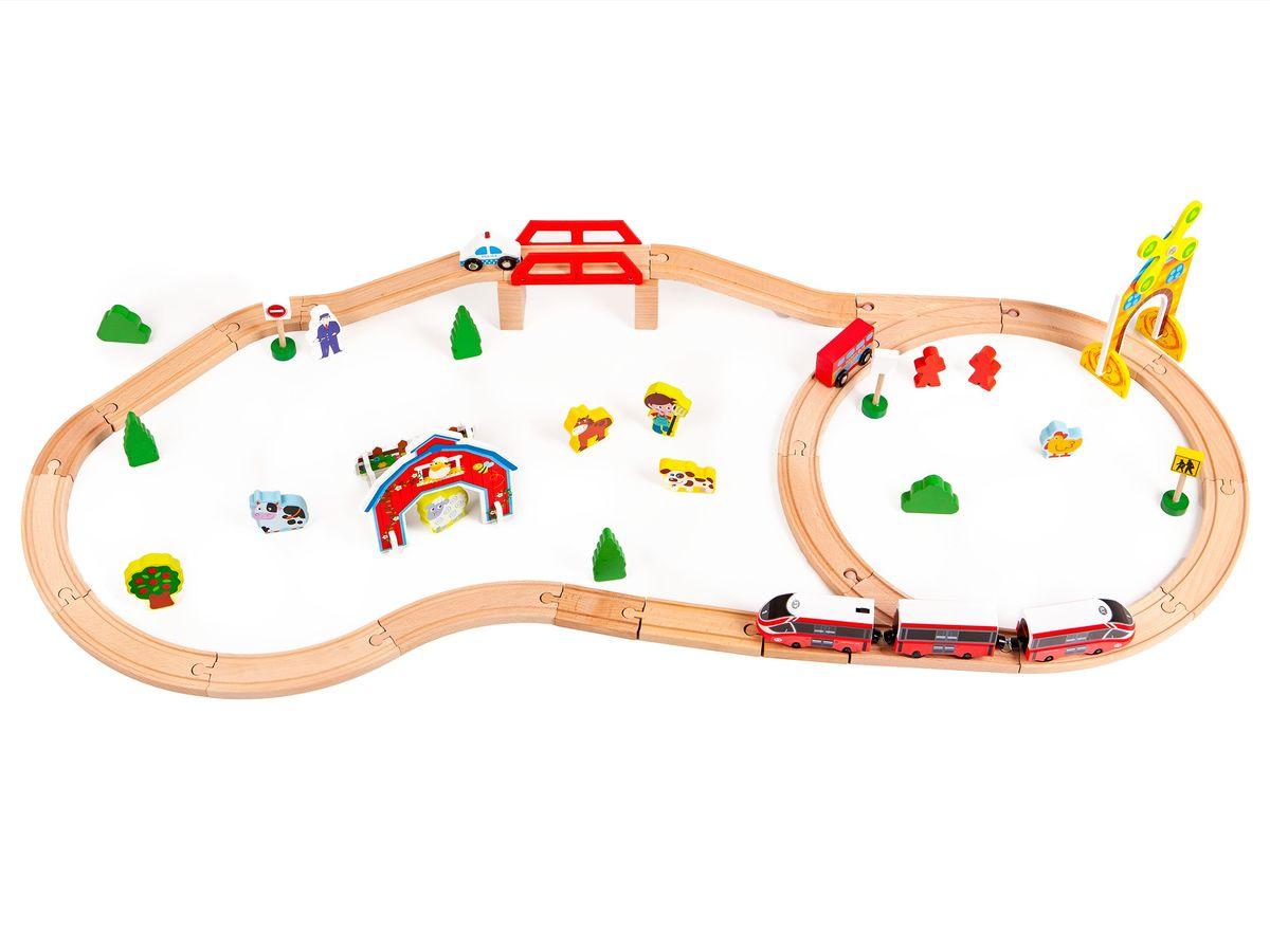 Dřevěná vláčkodráha s elektrickým vláčkem train track